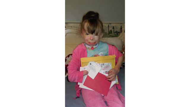 8-year-old girl who lost her family in fire asking for Christmas cards