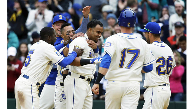 2-run rally in 9th gives Mariners win over Rangers