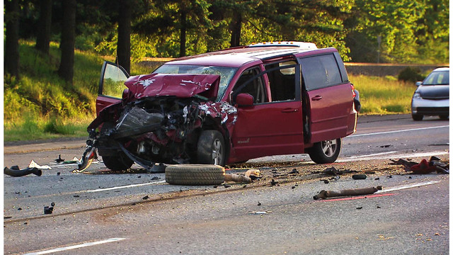 1 dead after driver crashes into stopped car on I-84