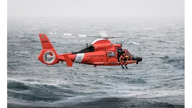 Coast Guard helicopter rescues man after yacht sinks