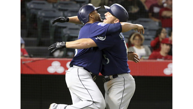 Haniger, Seager rally Mariners to win over Angels