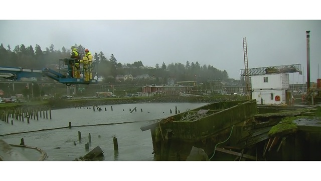 Oil tank hauled up from Astoria waters