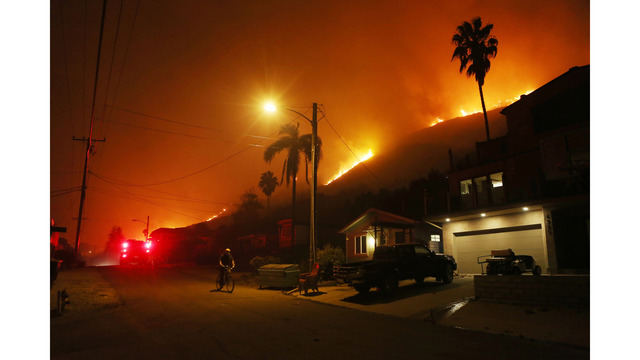 Southern California Wildfires Forces Thousands to Evacuate_683107