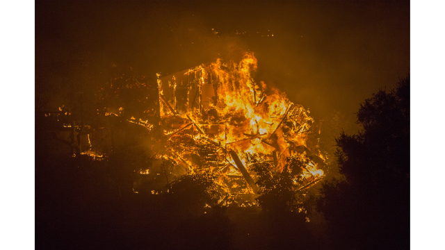 Southern California Wildfires Forces Thousands to Evacuate_684008