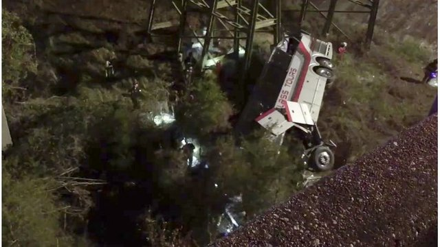 Driver killed, Texas HS band members hurt when bus falls into ravine