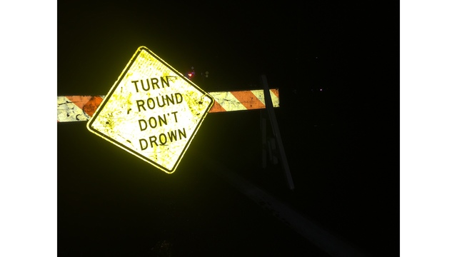 Turn Around Don't Drown sign on Spicewood Springs Road_294567