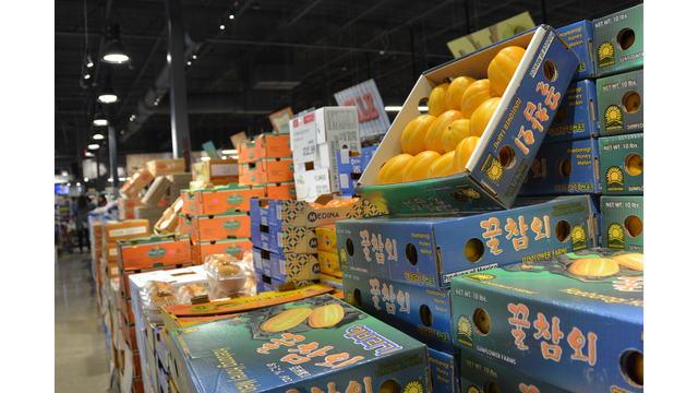 Fruit for sale at Hmart_638060