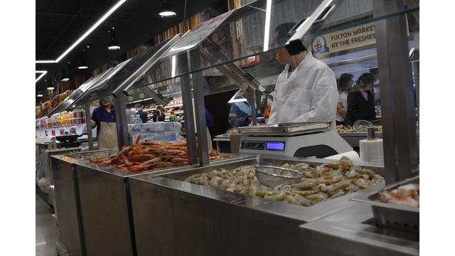 Seafood aisle at Hmart_638069