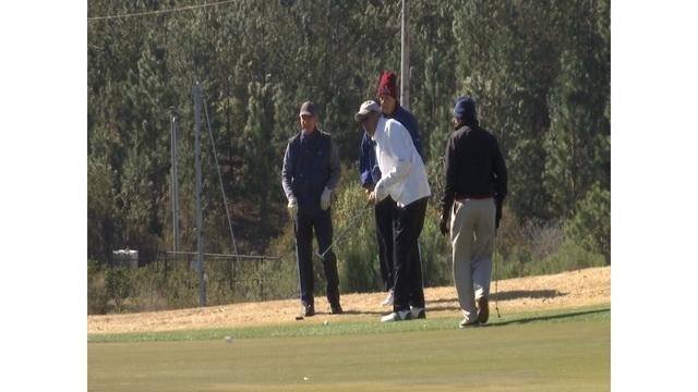 Golfers help raise money for local students to attend Coastal Carolina University