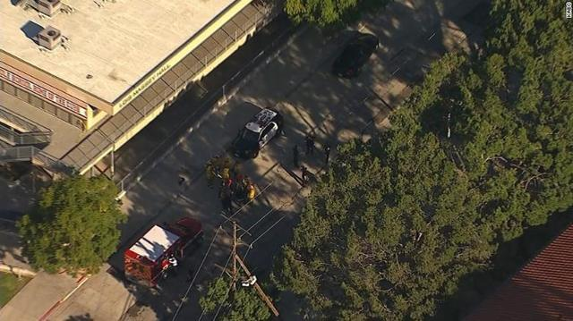 2 teens shot at Los Angeles middle school, 1 suspect in custody