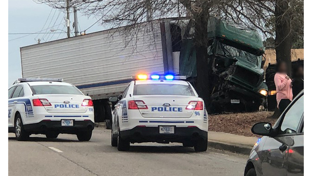 Truck driver cited for crash that injured two in Florence