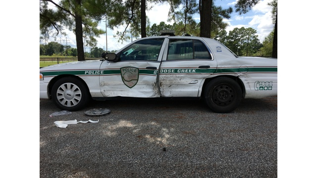 Man arrested after intentionally crashing into occupied patrol car, Goose Creek Police say