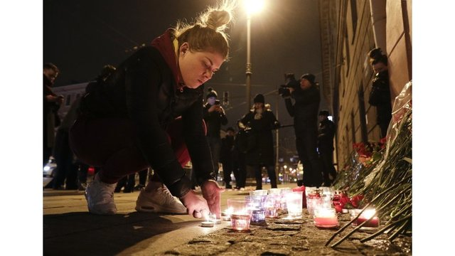 Death toll rises to 14 in Russian subway bombing