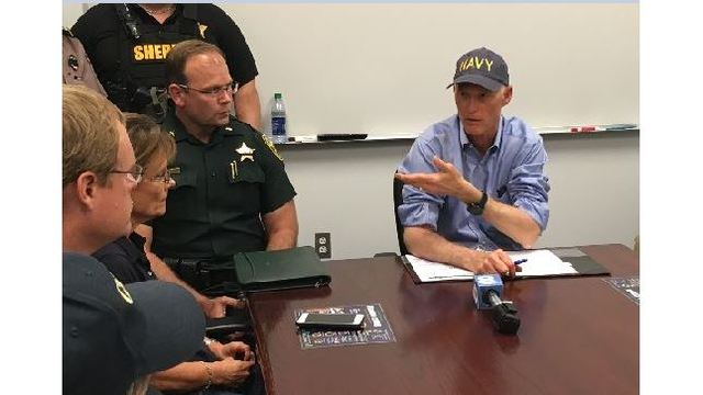 Gov. Scott meets with local officials in Highlands County after Hurricane Irma