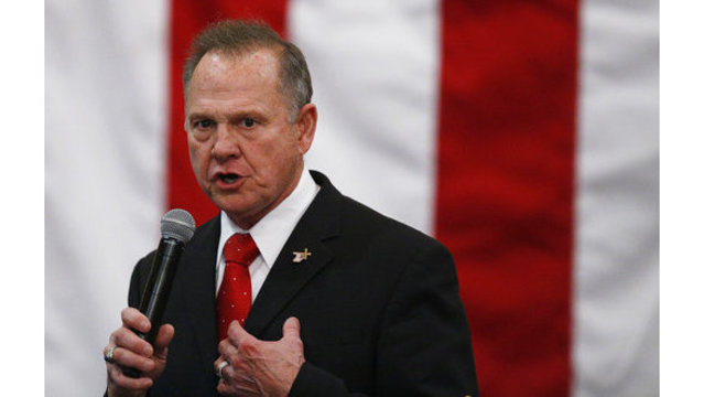 Alabama's Moore seeks donations to legal defense fund