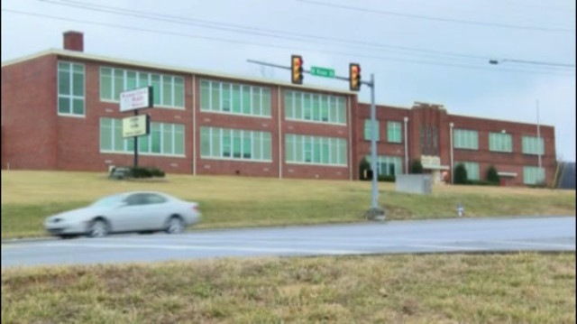 Middle school receives 'all clear' to return to 'soft' lockdown status as search for fugitive continues in Gray, TN