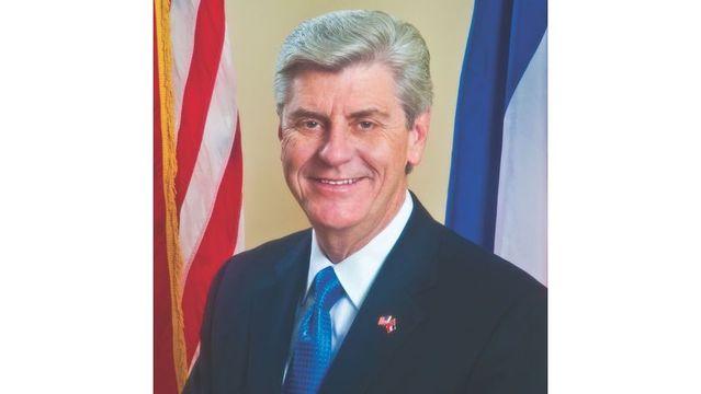 Mississippi governor nixes stricter real estate license rule