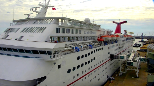 Carnival Fantasy Arrives In Mobile Returning Cruise Business To - Cruise ship mobile alabama