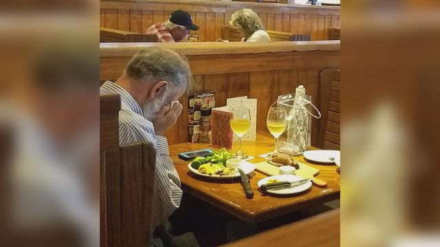Man on a Date With His Wife's Ashes For Valentine's Day