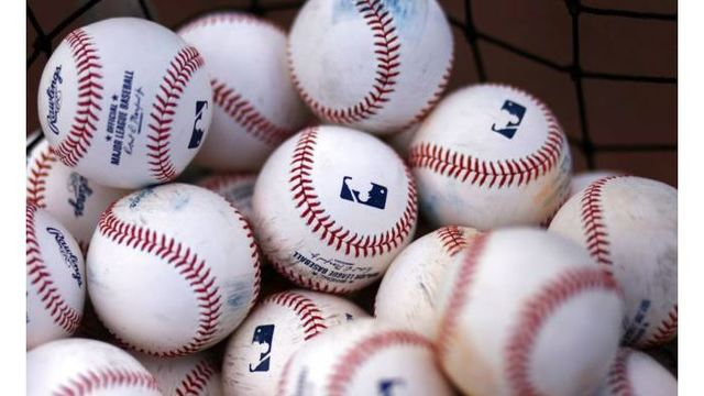 Facebook Secures Exclusive Broadcast Rights to 25 MLB Games