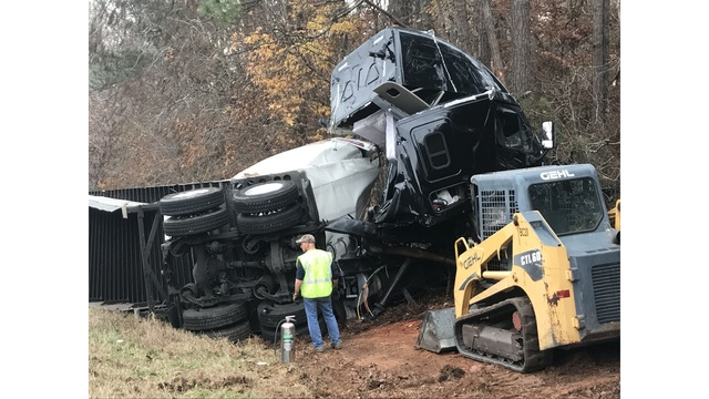 Driver, dog okay after violent single vehicle tractor trailer crash along Highway 280 in Lee Co.