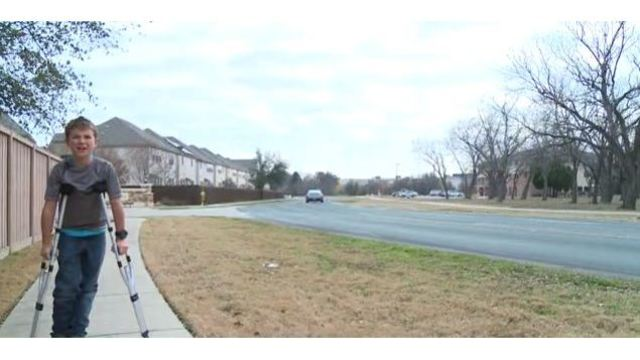 10-year-old boy crawls quarter of a mile home after being struck by hit-and-run driver