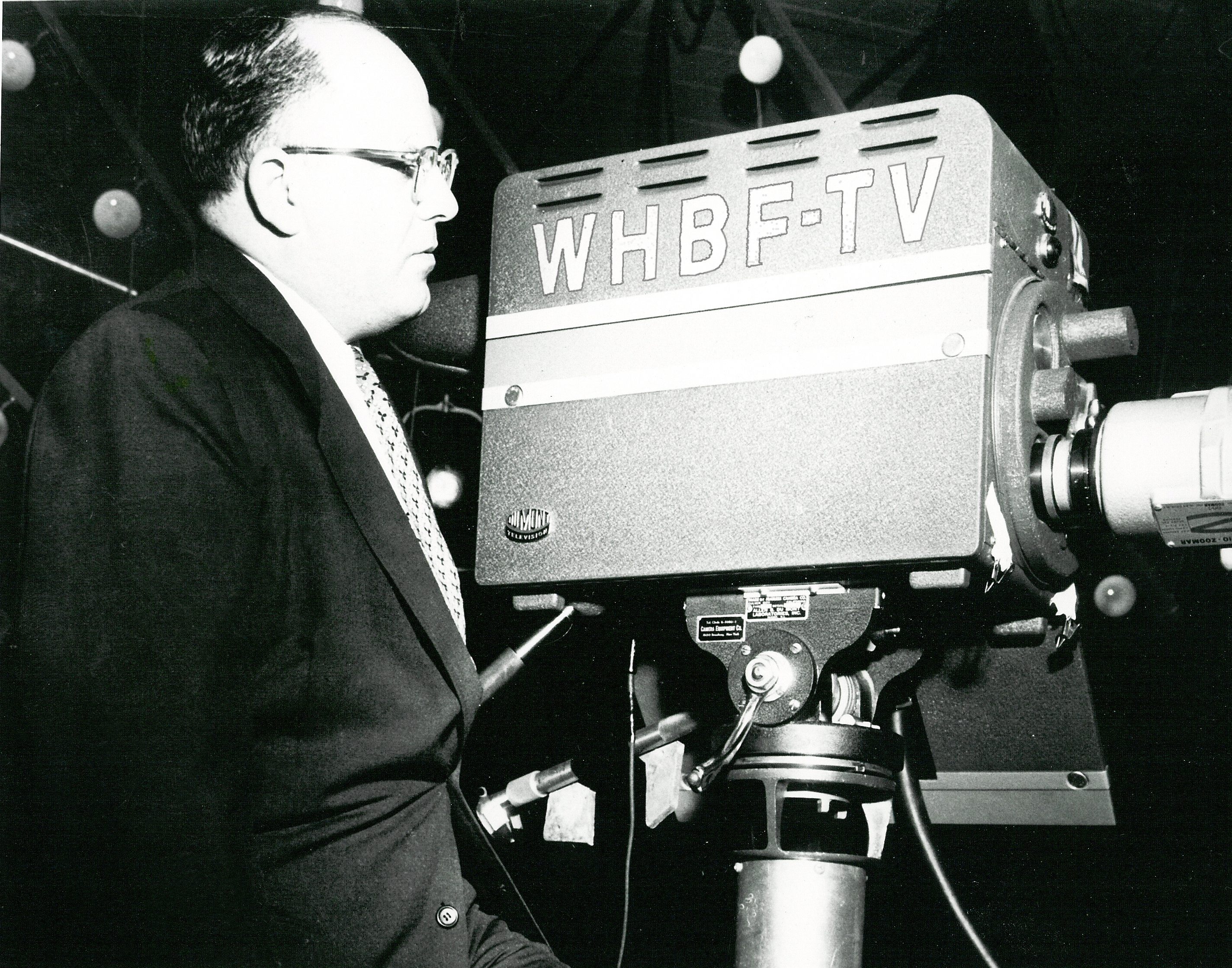 WHBF-TV_Robert_Sinnett_with_Camera.jpg