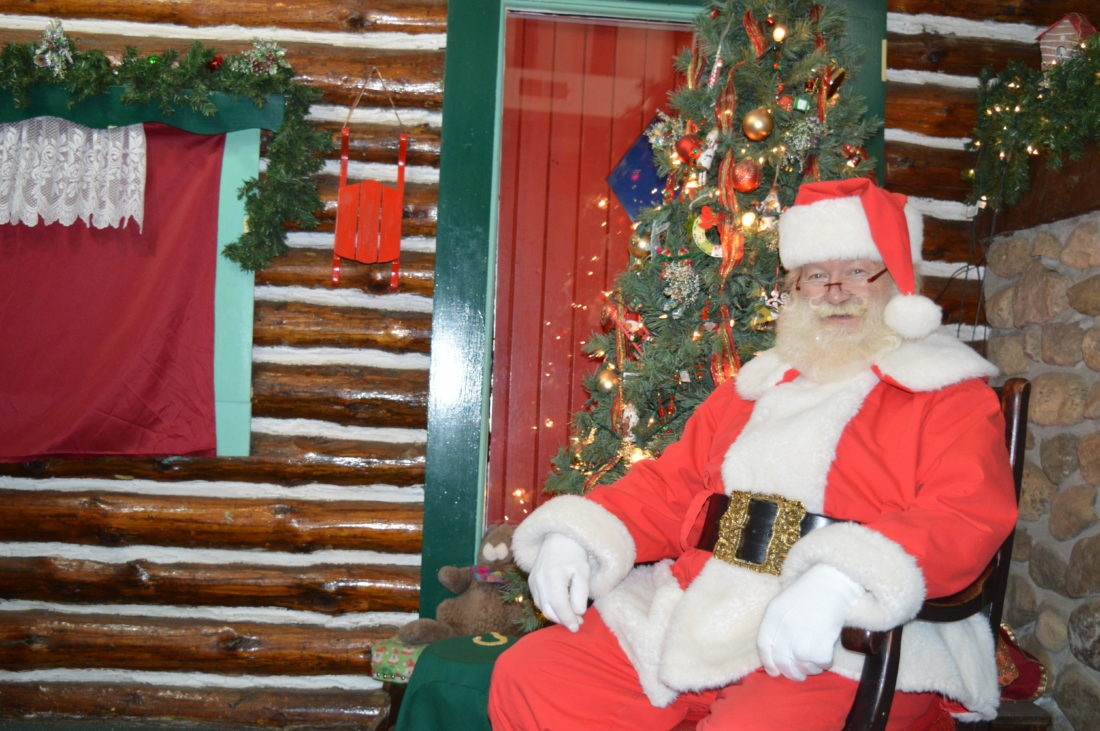 A glimpse into the lives of Santa\'s reindeer | News, Sports, Jobs ...