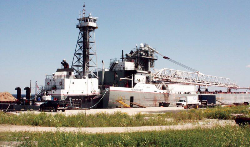 web-tug-barge
