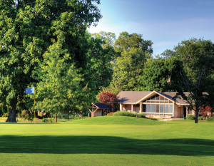Foster Park Golf Course #18 and clubhouse, photography by Fred Van Fossen