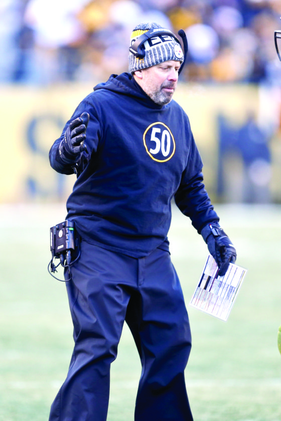 STAYING WARM — Pittsburgh Steelers offensive coordinator Todd Haley coaches against the Jacksonville Jaguars on Sunday in Pittsburgh. (AP Photo)