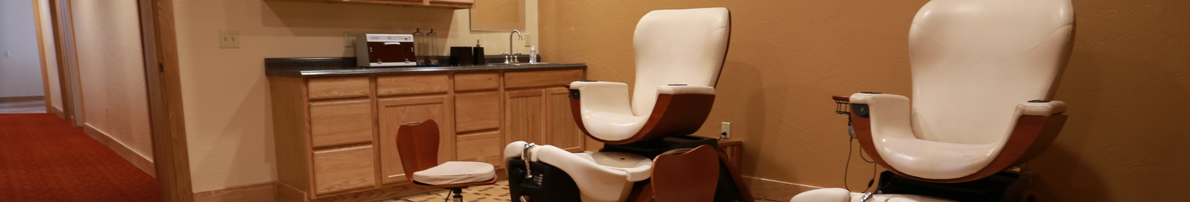 Trillium Spa Manicure and Pedicure Station