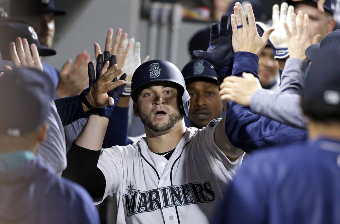 Mike Zunino hits two more home runs Monday in Seattle