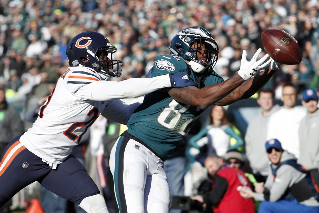 Philadelphia Eagles' Torrey Smith, right, cannot catch a pass against Chicago Bears' Prince Amukamara on Sunday, Nov. 26, 2017, in Philadelphia. (AP Photo/Chris Szagola)