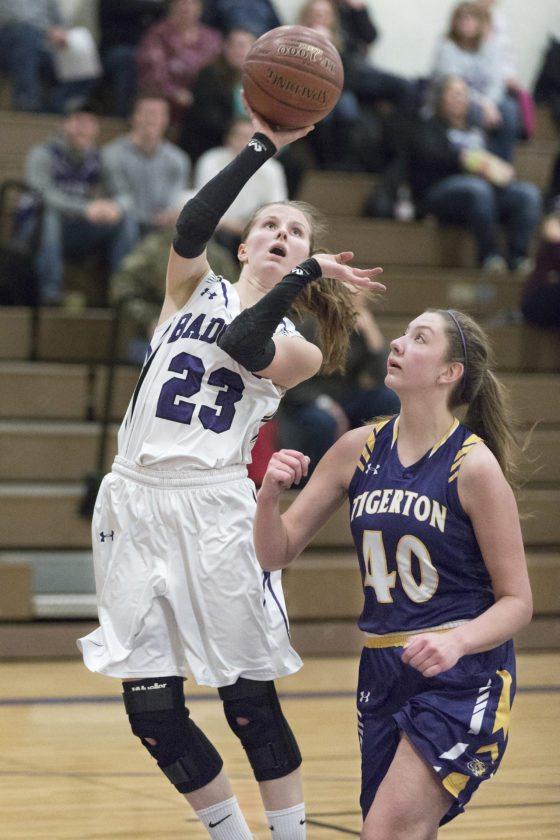 Niagara's Cassie Gill goes for a layup against Tigerton on Thursday, Dec. 28, 2017, in Niagara, Wis. (Adam Niemi/Iron Mountain Daily News)