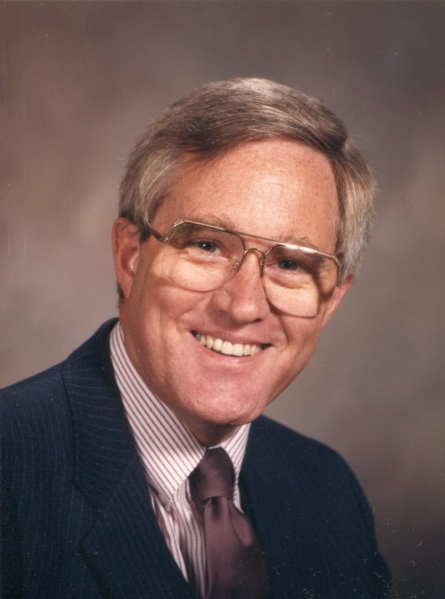 DR. ROBERT CALDERWOOD