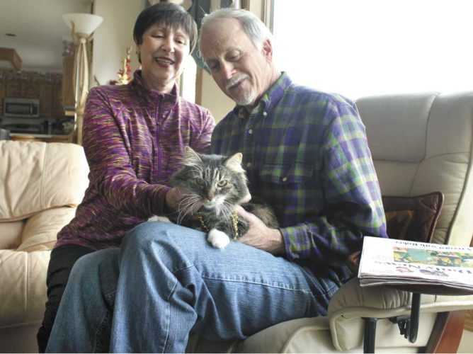 THE 2017 WINNER of the Daily News' Pet Idol contest, Stella Bella, and her proud owners, Debra Constantini and Alan Steinberg. She was the first cat to take the title. (Theresa Proudfit/Daily News photo)