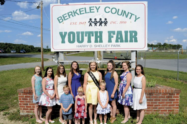 2017 Youth Fair Contestants are, from left, Allexis Canby, Trinity Snyder, Jewelia Tabler, Elizabeth Lynch, Shelby Silveous, Hannah Alt, Adrianna Dunbar, and Ashley Ritt. Minor Court (kids), from left, are Brayden McDonald, Cate Horner, Samantha Silkworth. (Journal Photo by Ron Agnir)