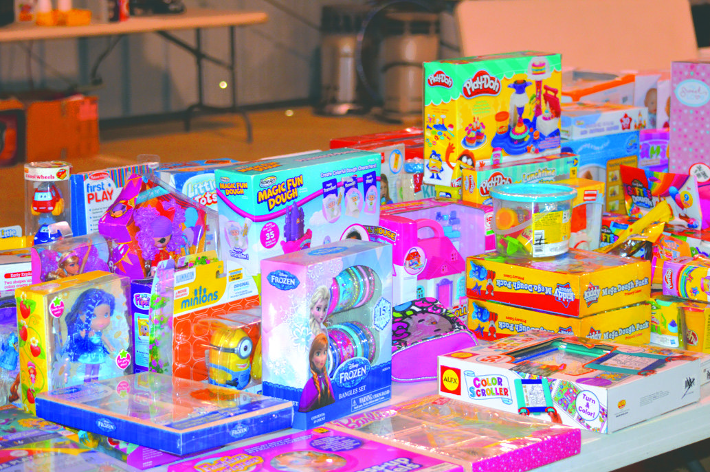 2 Toys For Tots : Toys for tots gears up holiday season news sports