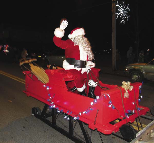 The Northville Christmas parade on Saturday afternoon ends with a visit from Santa. (The Leader-Herald/Eric Retzlaff)