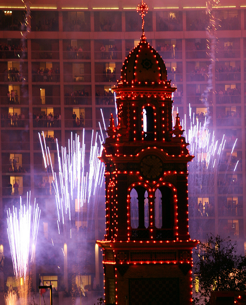 K.C. Plaza lights launch holidays | News, Sports, Jobs - Lawrence ...