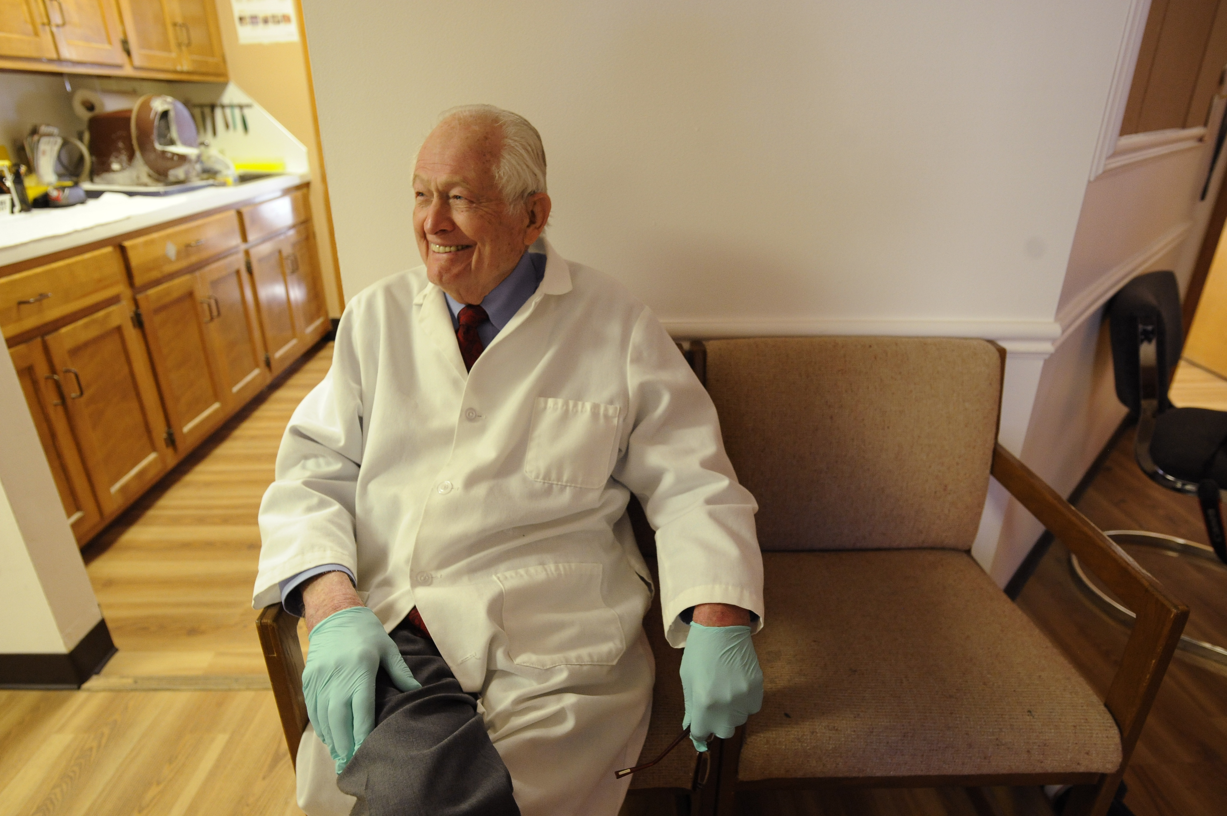 Lawhorn\'s Lawrence: A dentist who will make you smile | News, Sports ...