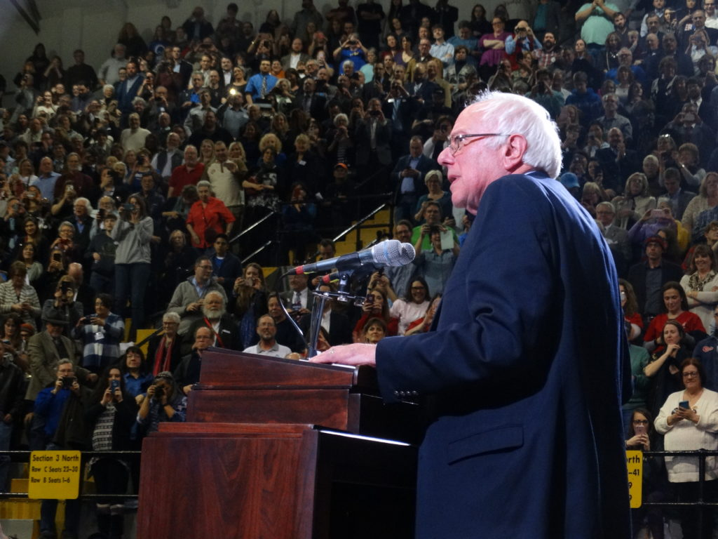 bernie sanders fires up kansas democrats at topeka rally news sports jobs lawrence journal. Black Bedroom Furniture Sets. Home Design Ideas