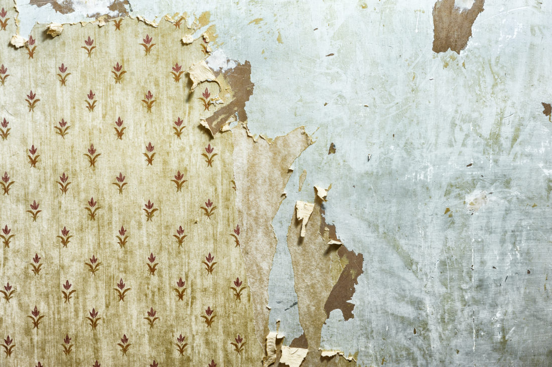 Removing Old Wallpaper Can Dramatically Improve The Look And Feel Of Any Room With Right Tools Some Hot Water Stripping Be A Fun