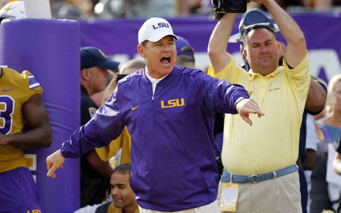 Kansas reportedly set to hire Les Miles