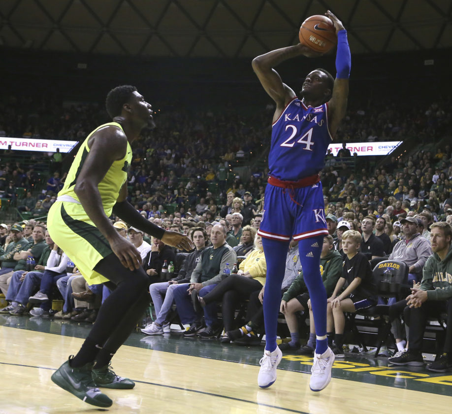 Vick, No. 7 Kansas hold off Baylor