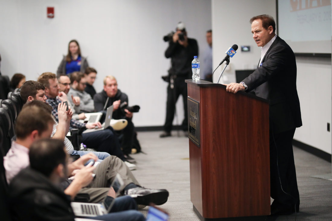 Les Miles Sees Some Great Potential In Ku S 2019 Recruiting Class