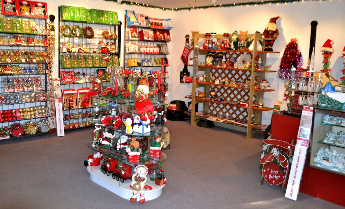 LANA MUTHLER/THEEXPRESS The gift shop at Slopey's Tree Farm is seen.