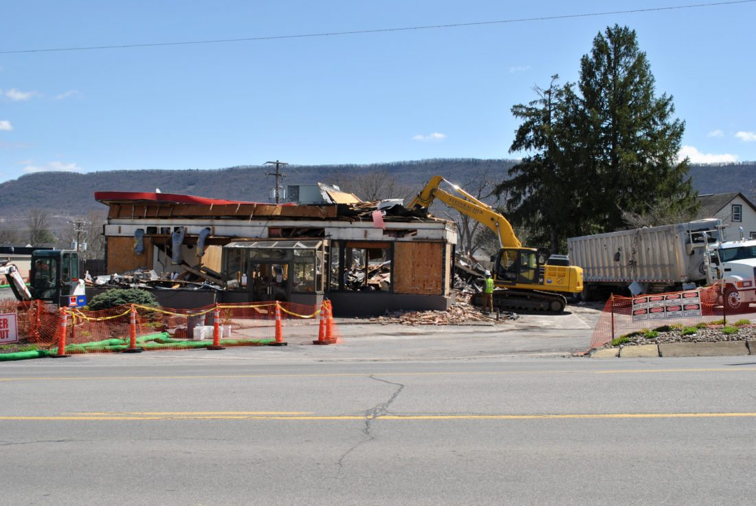 Thats Whats Happening At The Burger King In Flemington Decades Old Building 562 High St Is Being Torn Down And Will Be Replaced