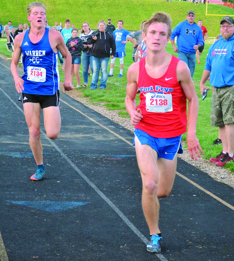 RON JOHNSTON The Marietta Times Fort Frye's Justin Anderson, right, and Warren's Trent Sayre finished first and second, respectively, in the Scenic Hills Invitational earlier this season in Vincent. Both runners have advanced to regional competition, which will take place this weekend.